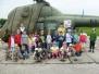 """""""Biedronki"""" zwiedzają wojskowe lotnisko"""